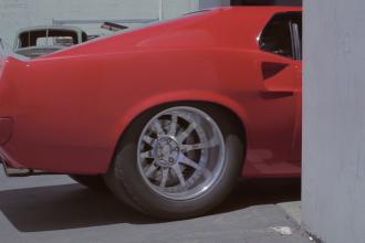Boss Mustang 494