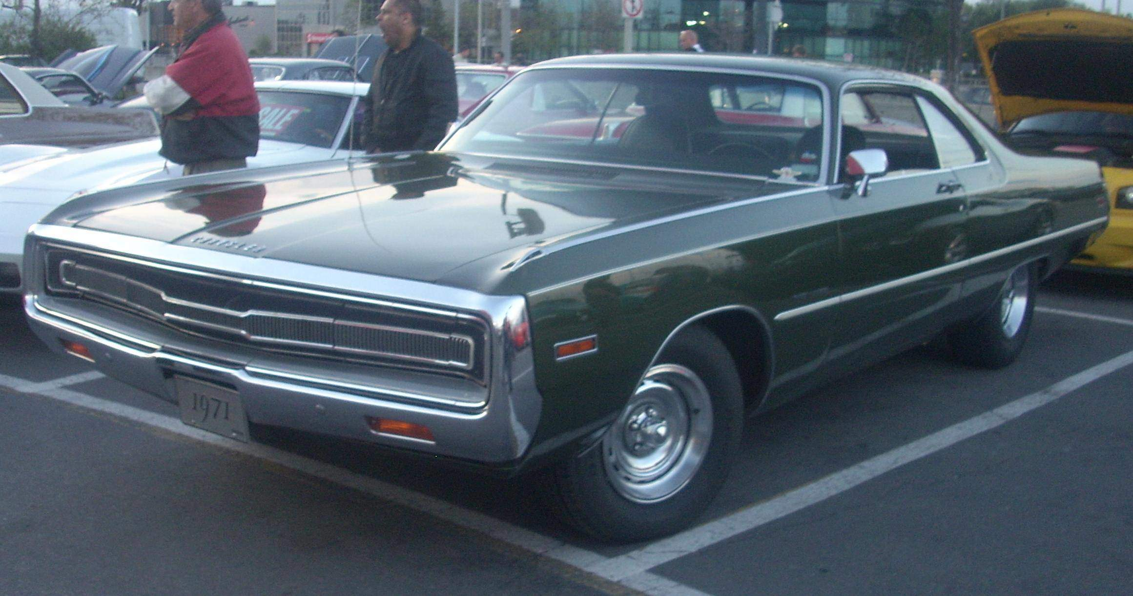 these are great big old cars 1971 chrysler 300. Black Bedroom Furniture Sets. Home Design Ideas