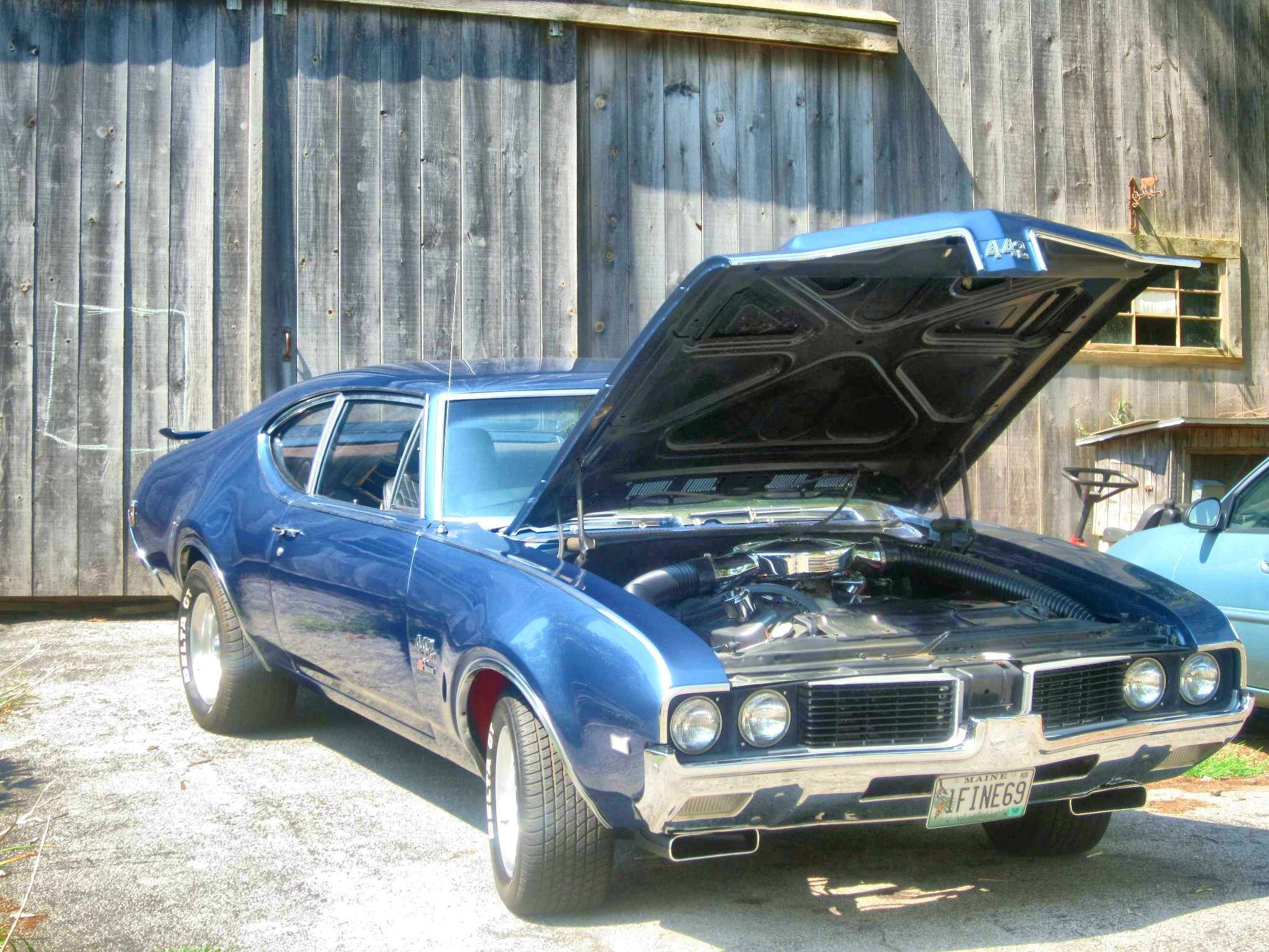One of the baddest muscle cars ever! [1969 Oldsmobile 442]