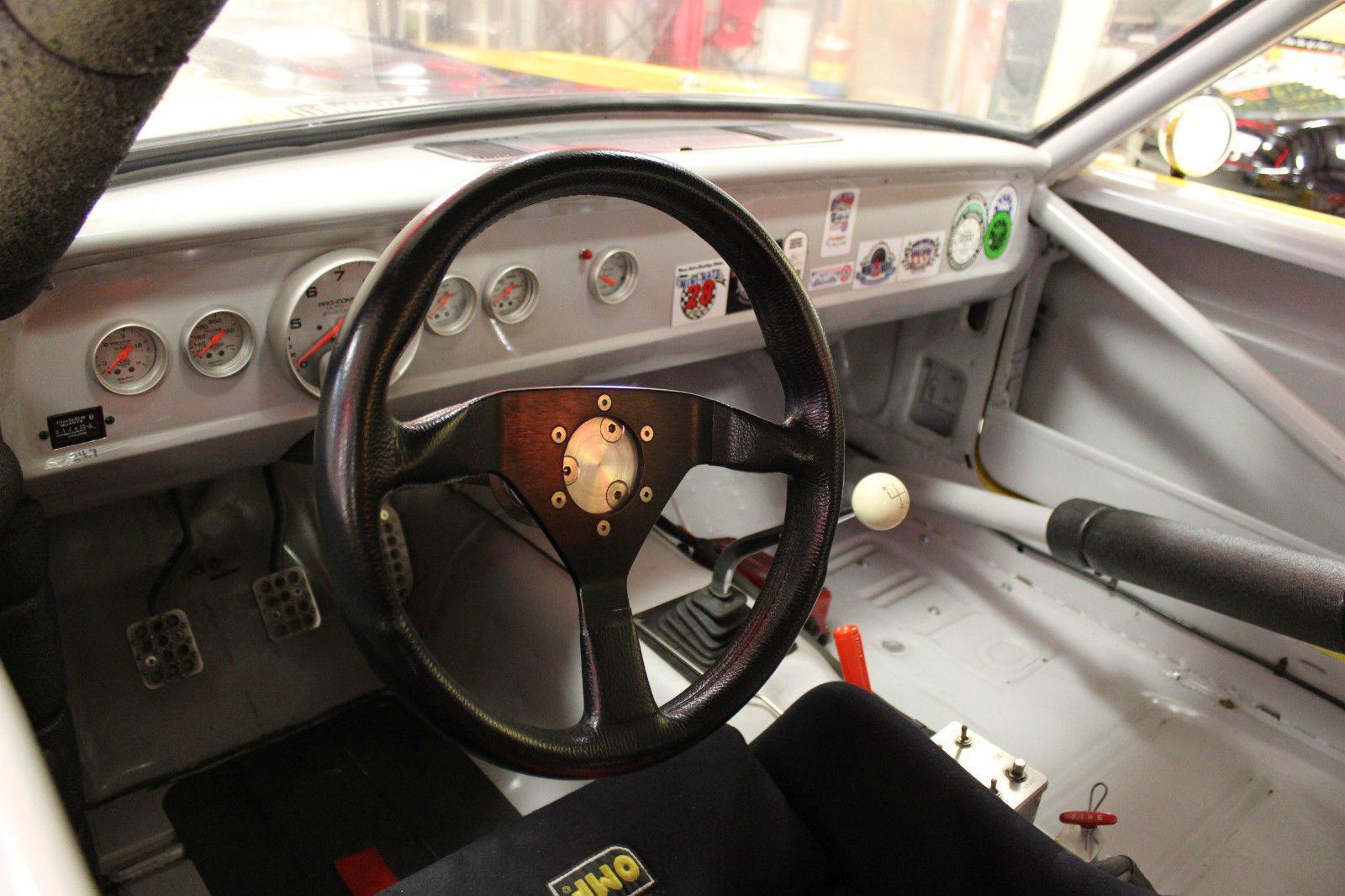 Inside 66 Shelby GT350