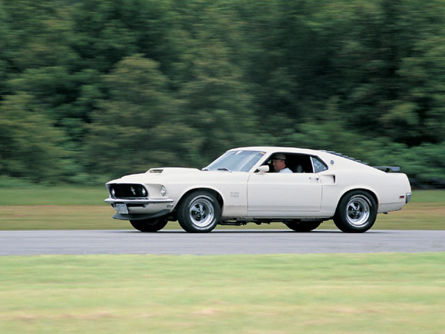 mump_0106_01_z-1969_ford_mustang_boss_429-side_view