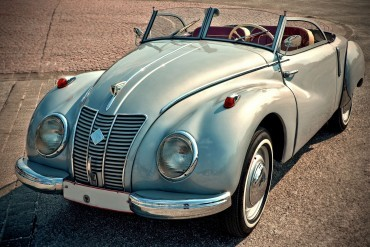 This roadster was made by German manufacturer DKW, and appears to be a IFA9 model. Do you know anything else about it?