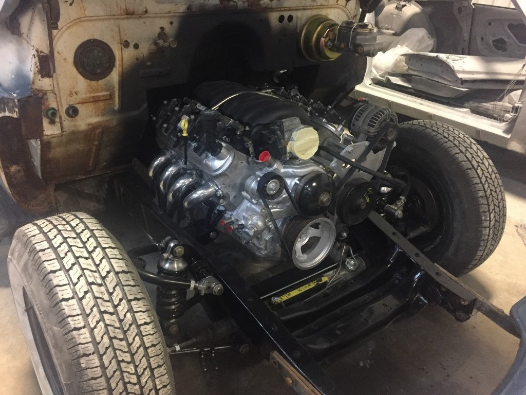 L96 6.0L'53 Chevy engine bay