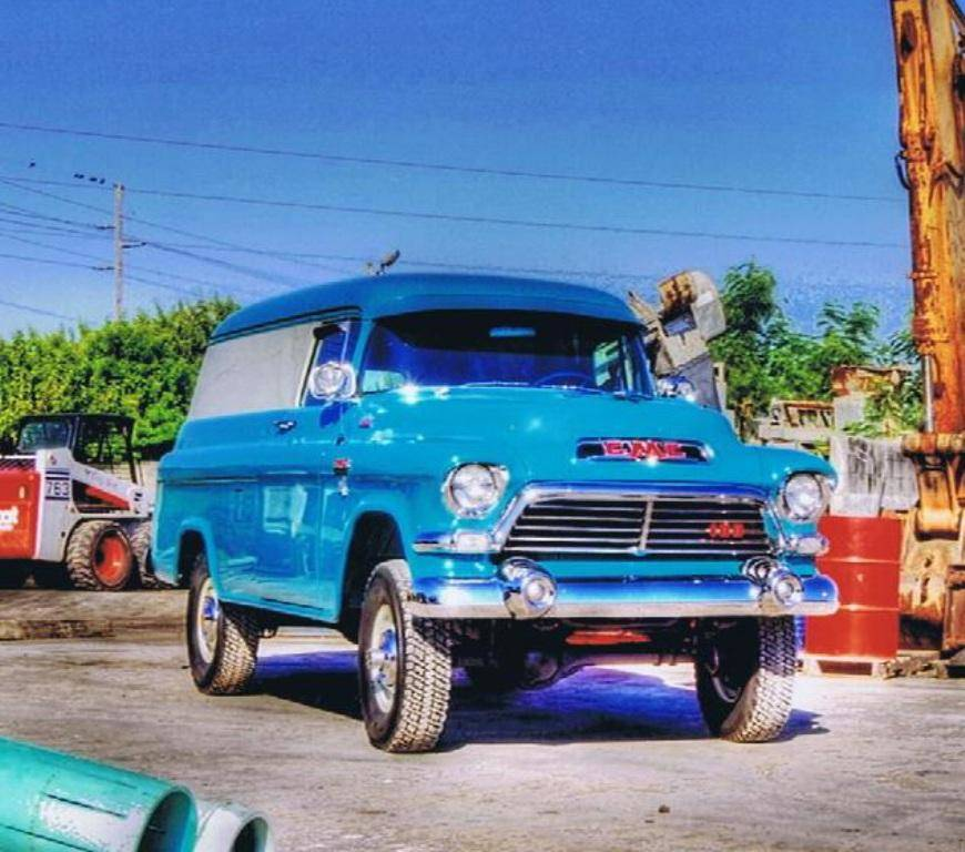 '57 GMC 4×4 Panel Truck