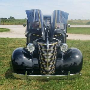 1938 Chevrolet 2 door master deluxe (KS) – $27,900