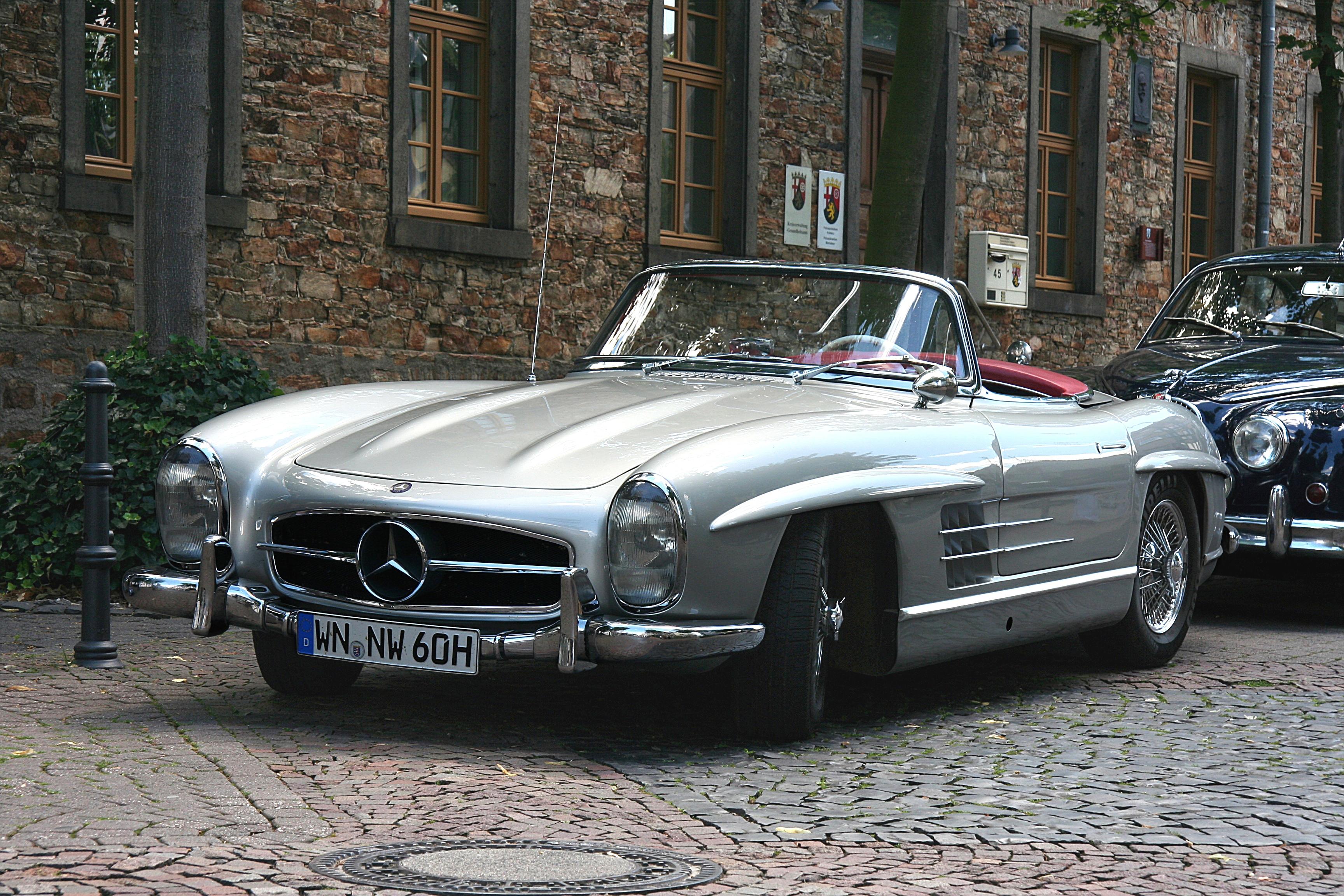 classic Mercedes 300SL Gullwing