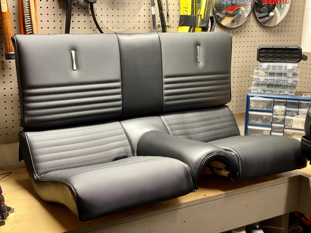 Mustang Fastback fold down seat